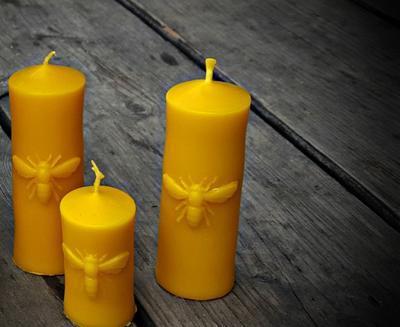 Velká svíčka se včelou ze včelího vosku - 1